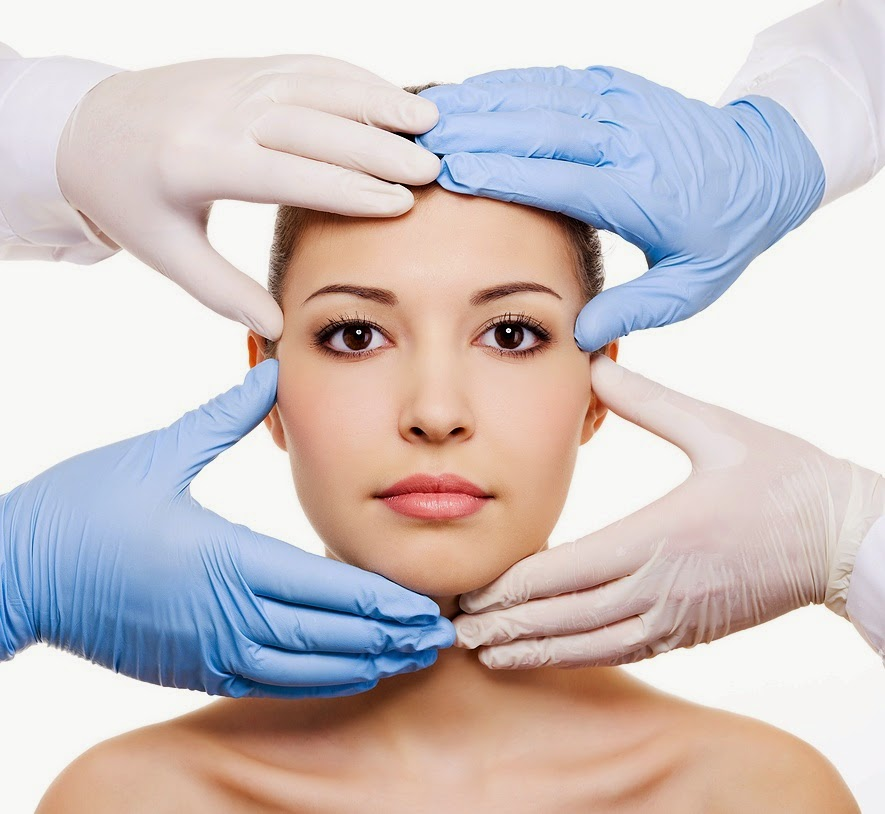 What's the Difference Between a Cosmetic Dermatologist and a Plastic Surgeon?